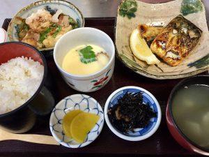 """""""焼きサバ定食 Set meal of grilled mackerel""""の拡大写真"""