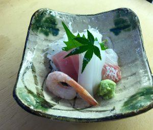 """""""さしみ小鉢と天ぷらの定食  Set meal of Sashimi and Tenpura""""の拡大写真"""